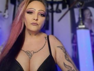LadyNadineBauer